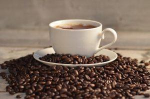 ۱۰ اثر منفی قهوه