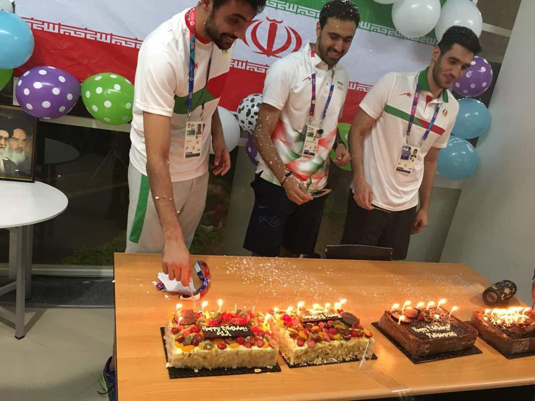 جشن تولد ورزشکاران در عید قربان