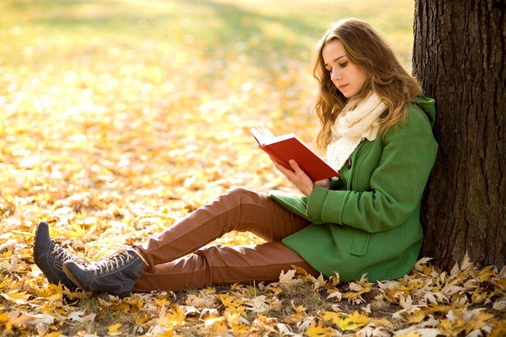 مطالعه کردن و کتاب خوانی